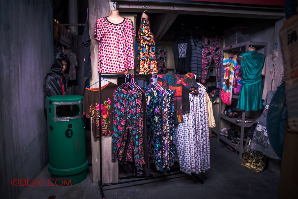 Halloween Horror Nights 6 - Hawker Centre Massacre / Clothes of questionable fashion