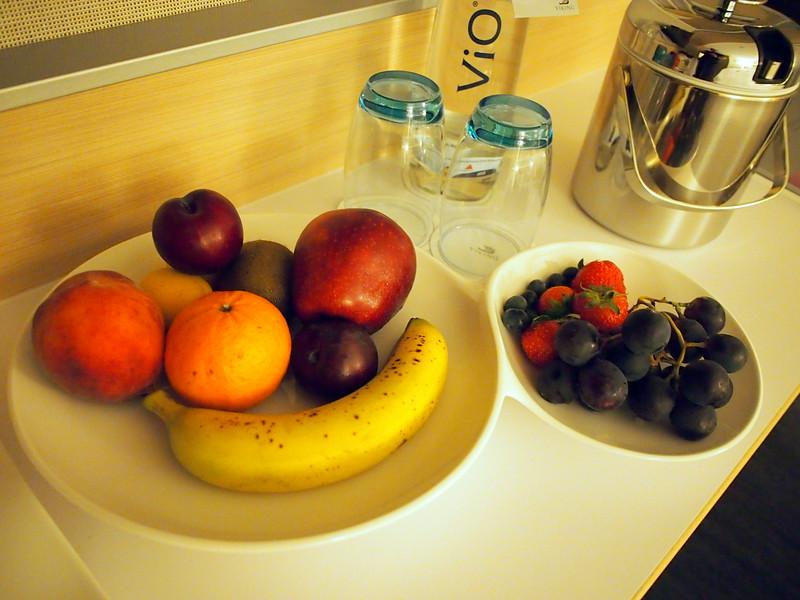 P8167361-cabin-fruit.JPG