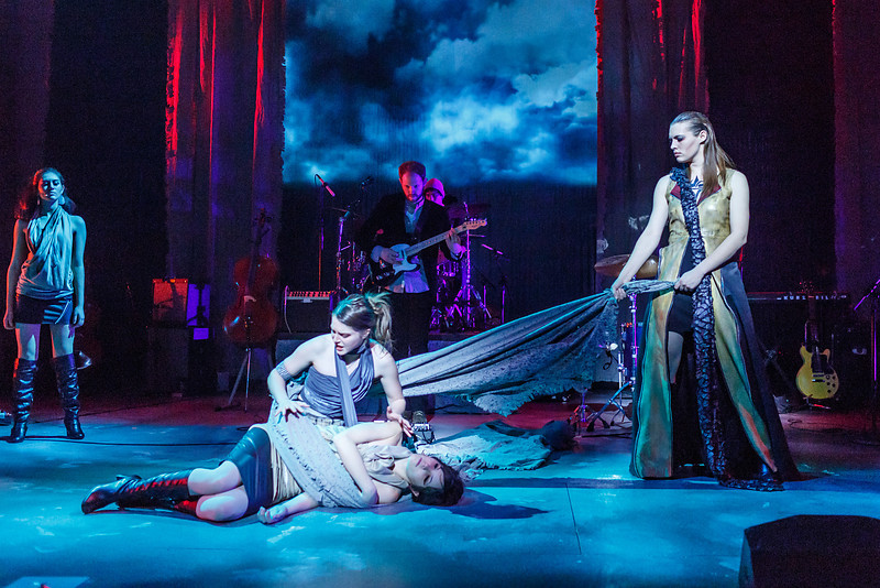Medea Production P-3571.jpg