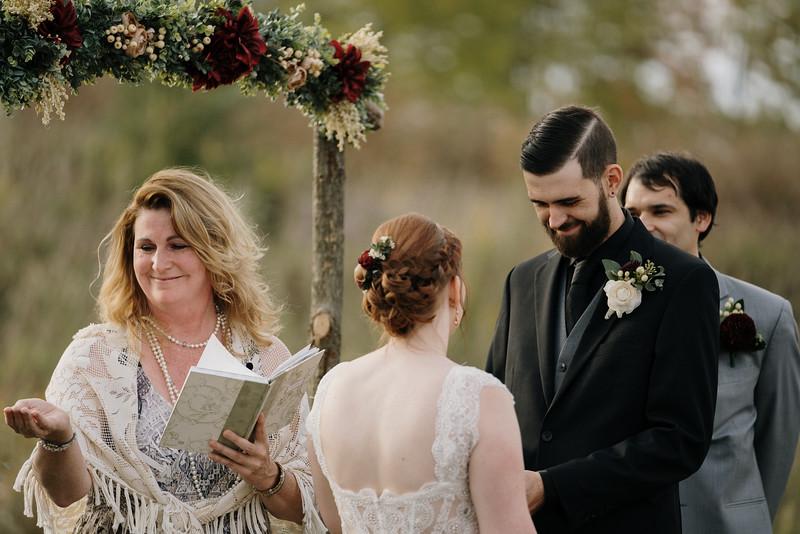 rustic_ohio__fall_barn_wedding-230.jpg