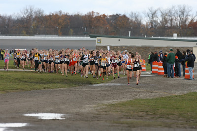 400 Meters, D1 Girls - 2013 MHSAA LP XC Finals