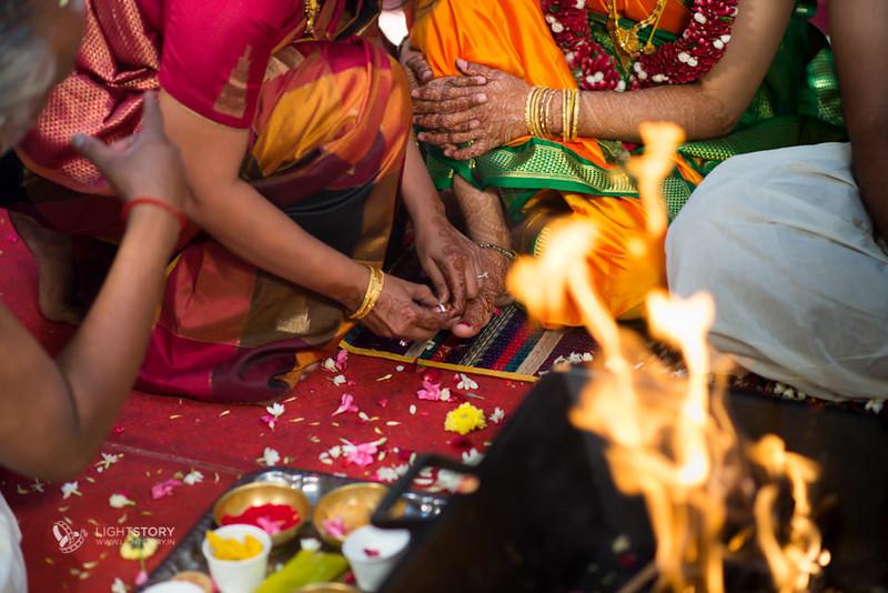 Bangalore-Wedding-Ganjam-brahmin-Sowmi-Ashwin-lightstory-28.jpg
