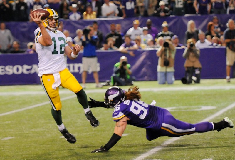 . <p><b> Bears at Packers (-10½):</b> <p>Green Bay�s big victory at the Metrodome beat World Series Game 4 in the TV ratings Sunday night. Those football numbers might be inflated, though, because some viewers mistakenly tuned in after confusing the Vikings for �The Walking Dead.� <p>Pick: <b>Packers by 14</b> <p>   (Pioneer Press: John Autey)