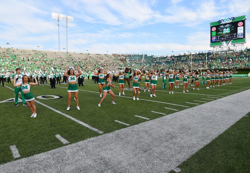 cheerleaders0136.jpg
