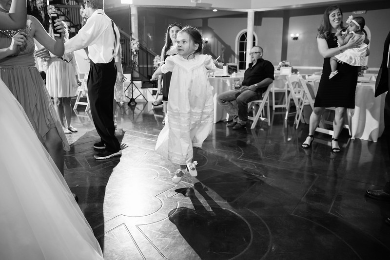1151_Josh+Lindsey_WeddingBW.jpg