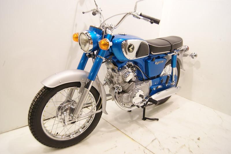 1968 CD175 11-12 024.JPG