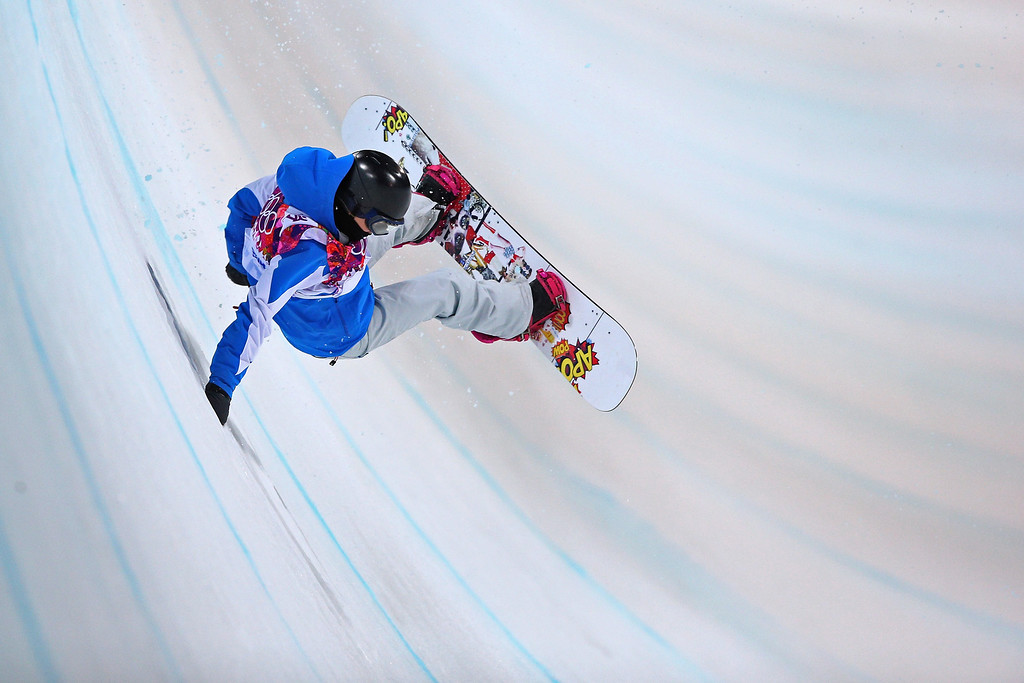 . Mirabelle Thovex of France crashes out in the Snowboard Women\'s Halfpipe Semifinals on day five of the Sochi 2014 Winter Olympics at Rosa Khutor Extreme Park on February 12, 2014 in Sochi, Russia.  (Photo by Cameron Spencer/Getty Images)