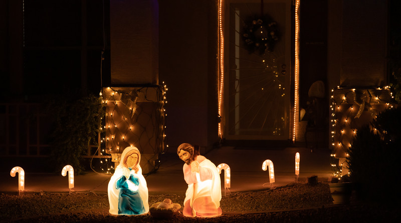 Phoenix Adobe Highlands Neighborhood Lights December 24, 2018  14.jpg