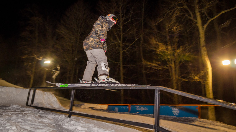 Nighttime-Rail-Jam_Snow-Trails-151.jpg