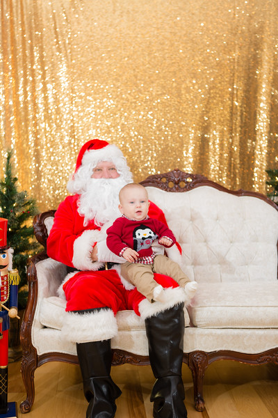 FADS Picture with Santa-187.jpg