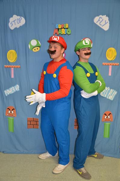 2016 Pics with Mario & Luigi at Orientation