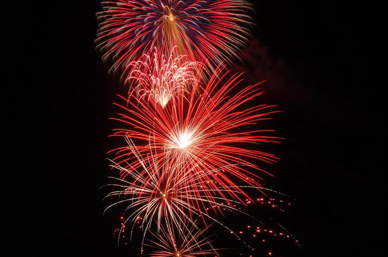 fireworks_2_by_victorg6546.jpg