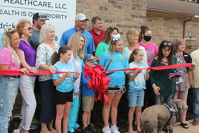 Priority Family Healthcare hosts  Chamber ribbon cutting