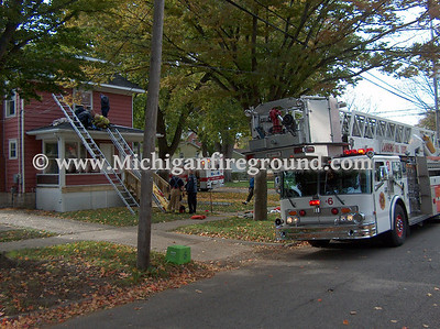 10/22/08 - Lansing roof rescue, 127 Smith St