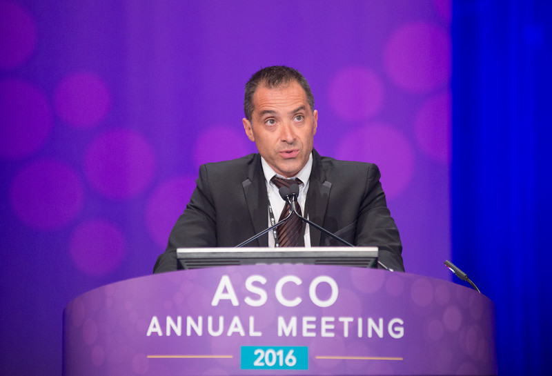 Fabrice Denis, MD, PhD, presenting LBA 9006, Improved overall survival in lung cancer patients using a Web-application-guided follow-up compared to Standard modalities: Results of Phase III randomized trial during Lung Cancer Non-Small Cell Metastatic Oral Abstract Session