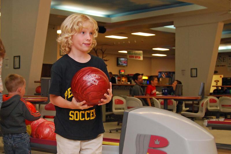 1166 Isaac ready to bowl.jpg