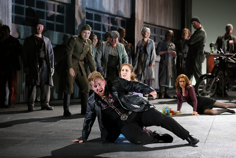 ENO Jenufa Nicky Spence, Laura Wilde and ENO Chorus (c) Donald Cooper.jpg