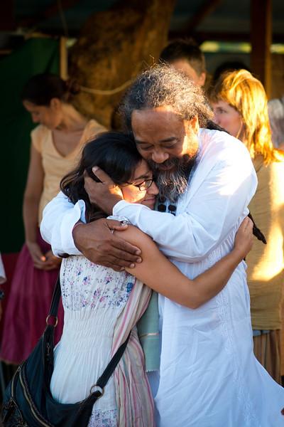 2013-07-21 chai satsang hug .jpg