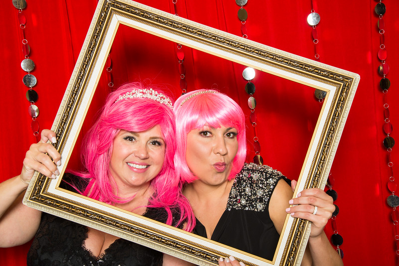 photo booth by Click Happy Productions-2.jpg