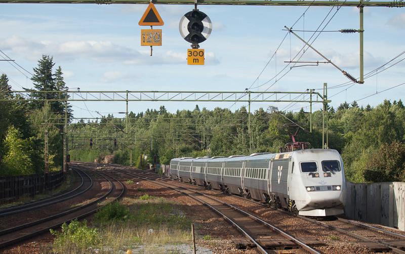 SJ X2000 in Stuvsta.