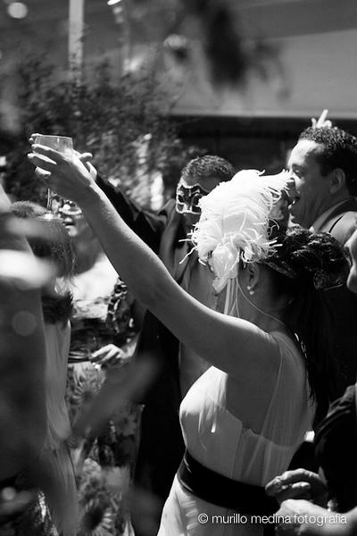 Casamento de Márcia e Alexandre em 21/04/2012. Making of Cláudio Piovesana Cabeleireiros - Santos. Cerimônia e festa: Espaço Serra do Mar, São Bernardo do Campo - SP. Foto: Murillo Medina. Todos os direitos reservados.