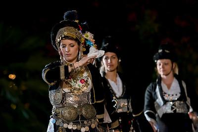 ΕΛΛΗΝΙΚΟΙ ΠΑΡΑΔΟΣΙΑΚΟΙ ΧΟΡΟΙ - THE GREEK DANCING TRADITION