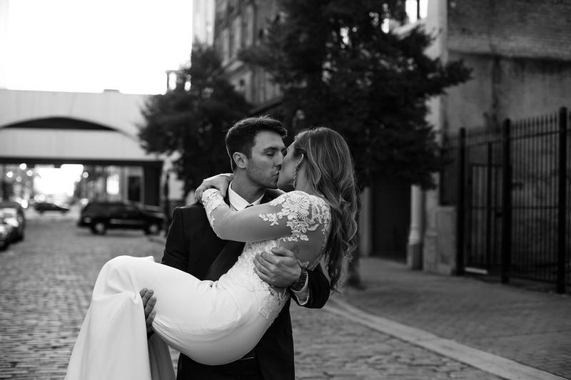 Kate&Josh_B&W_ZACH.WATHEN.PHOTOGRAPHER-407.jpg