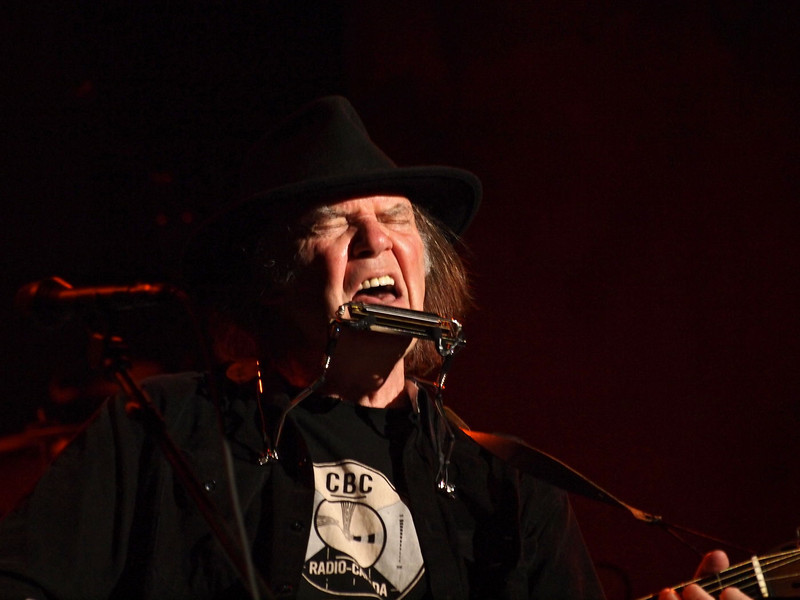 Neil Young & Crazy Horse 05-06-13 (13).jpg