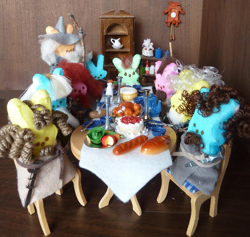. Dinner party at Bilbo\'s house wtih Gandalf & the dwarves. Shanda Spahn