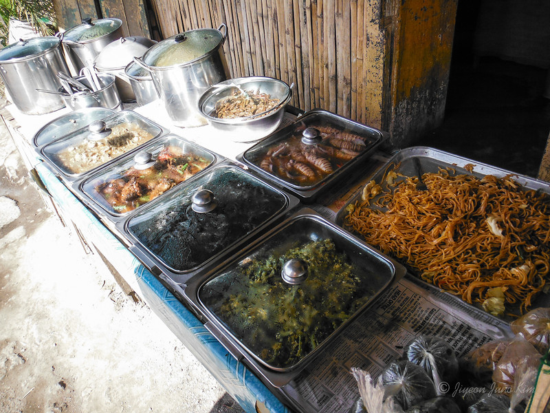 Philippines-food-typical lunch buffet.jpg