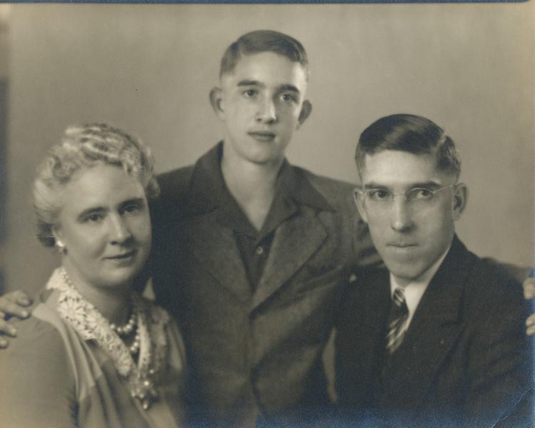 Helen, Dallas & Kenneth Clark.jpg