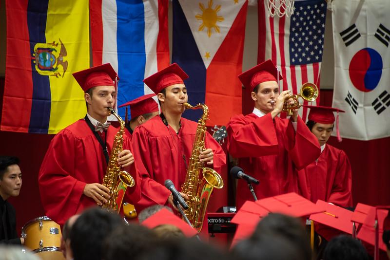 Senior -Graduation-YIS_3093-2018-19.jpg