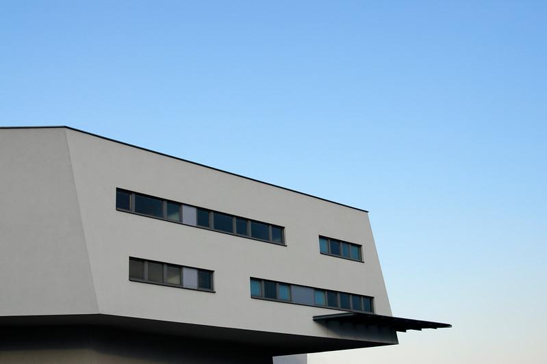 Spittelauer Lände Arcade Housing by Architect Zaha Hadid, Vienna (Austria)