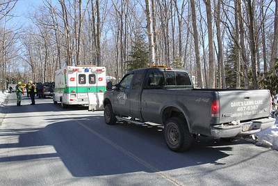Car Hits Tree, Lake Drive, Lake Hauto, Hometown (2-23-2011)