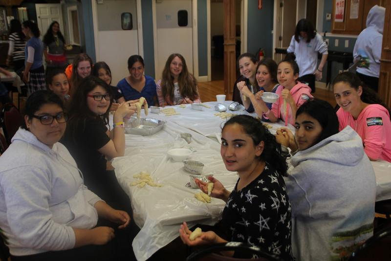 kars4kids_thezone_camp_girlsDivsion_activities_baking (47).JPG