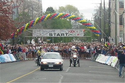 2003 Times-Colonist 10K - The startline scene seconds before the gun