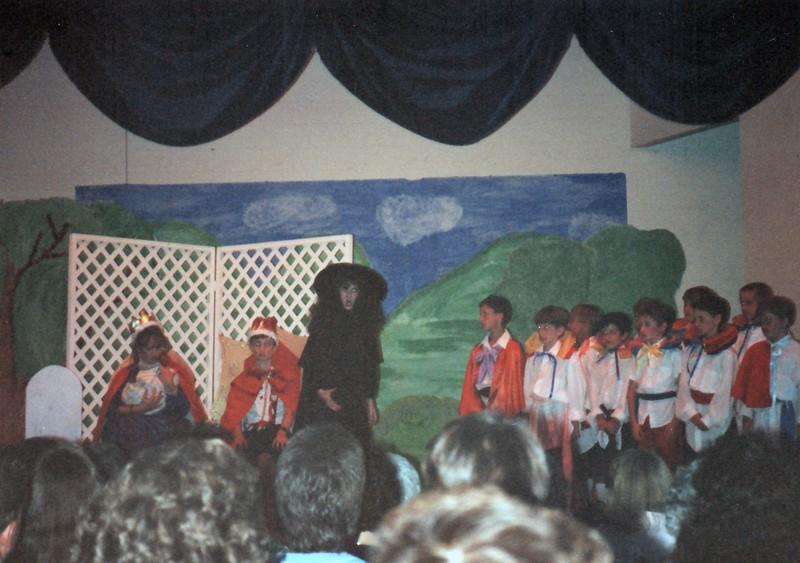 1991_Spring_Orlando_Amelia_birthday_some_TN_0007_a.jpg