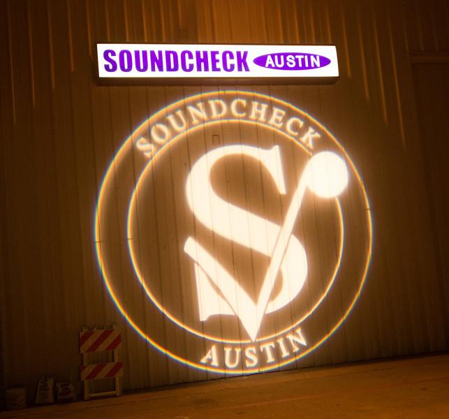 SOUNDCHECK-8008857.jpg