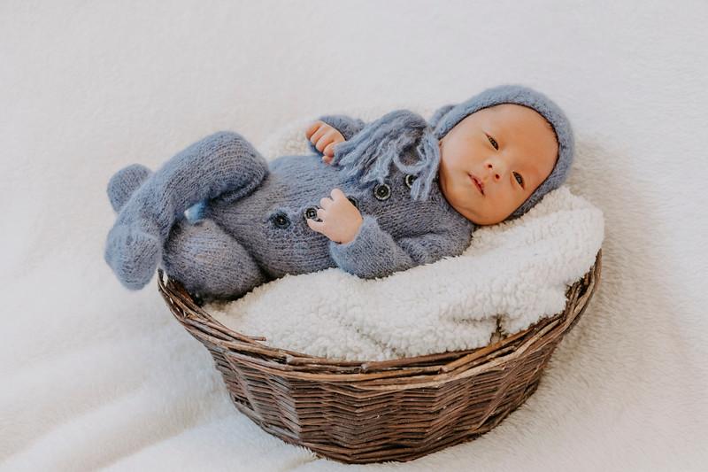 newborn-harrison_10.jpg