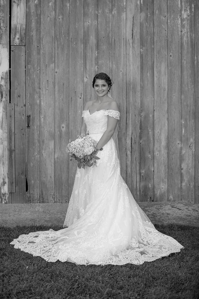 BridalPartyBW-35.jpg