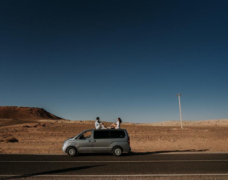 Tu-Nguyen-Destination-Wedding-Photographer-Morocco-Videographer-Sahara-Elopement-138-17.jpg