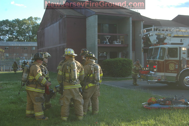 5-9-2010(Camden County)LINDENWALD Gibbbsboro Rd.- 2nd Alarm Apartment