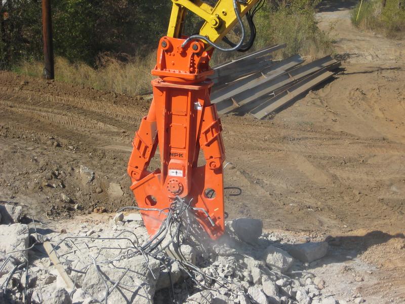 NPK M38G concrete pulverizer on Komatsu excavator-concrete recycling (11).jpg