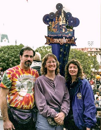 Disneyland 2000 Feb