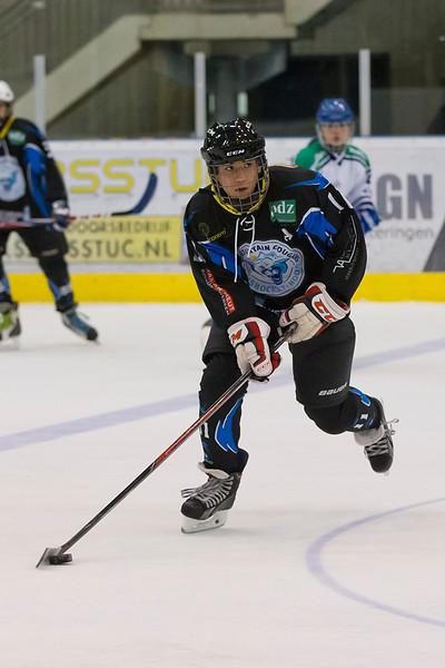 13-12-2015: IJshockey: ProClass Dordrecht Lions JR v Blue Mountain Cougars aspiranten: Dordrecht