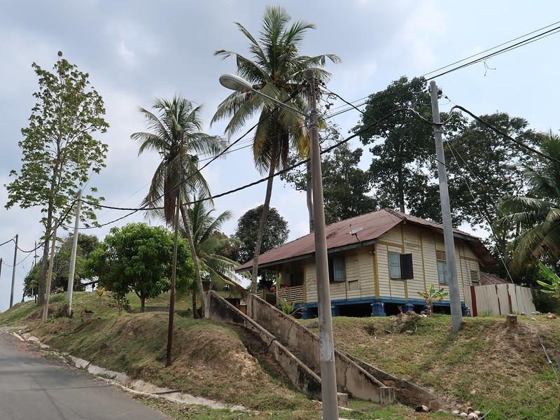 IMG_5305-old-wooden-house.JPG