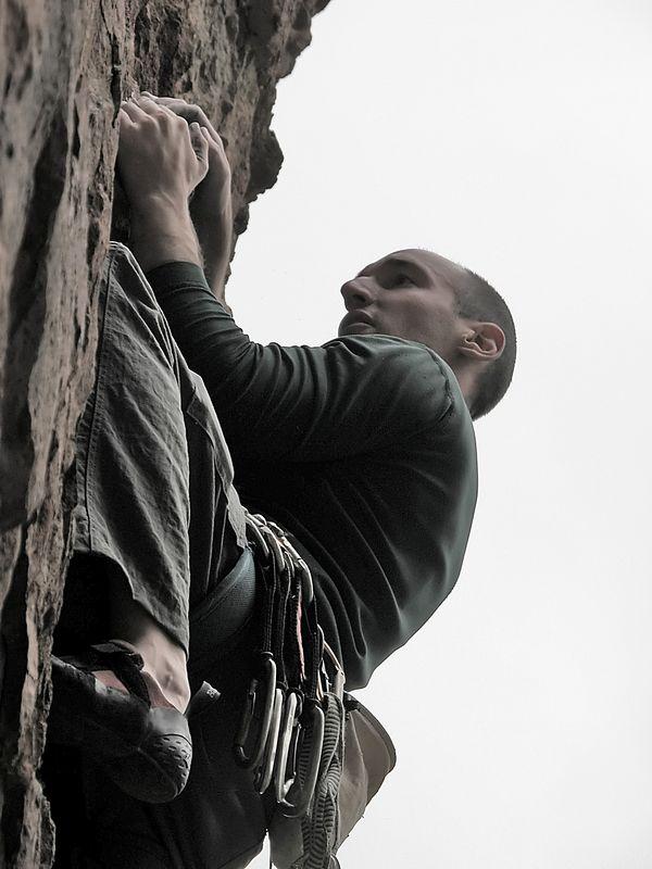 03_04_12 Climbing Echo Cliffs 046.jpg