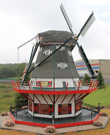 Large Windmill, Van Hoekelen Greenhouses Inc, VHG, McAdoo (8-27-2012)