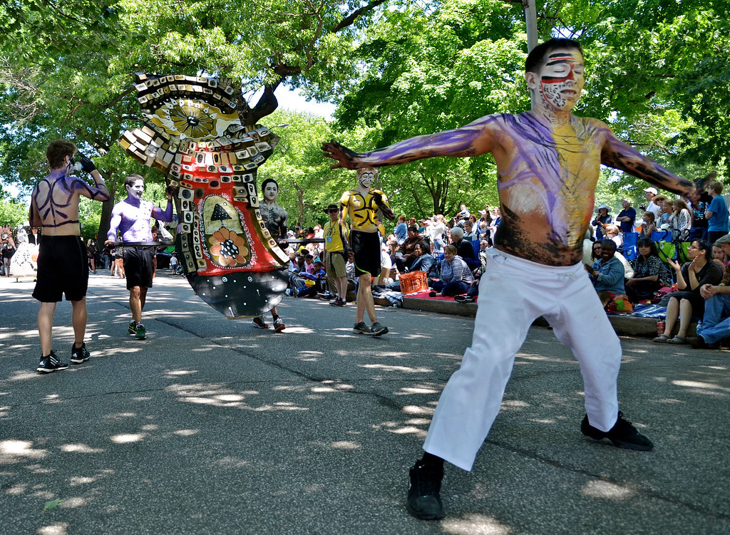 """. Jeff Forman/JForman@News-Herald.com Rapho Valdivieso leads \""""Rapture\"""" during the Cleveland Museum of Art 25th annual Parade the Circle June 14 in University Circle."""