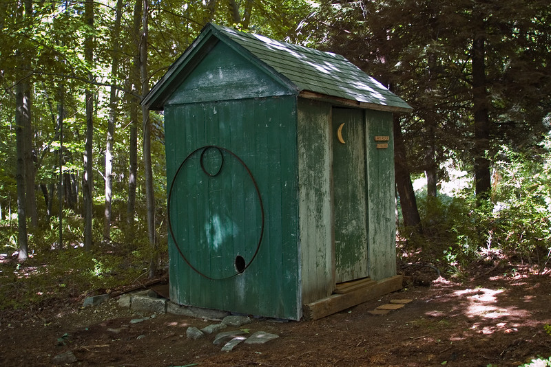 Outhouse 1.jpg